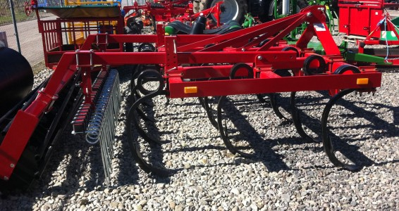 Pigtail Ripper cultivator – SOLD