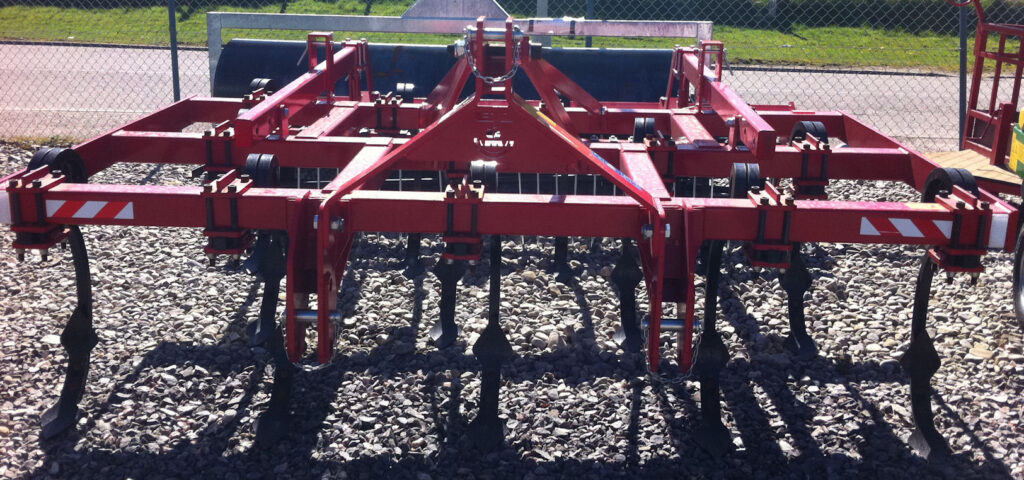MTL 3m Pigtail Ripper cultivator front