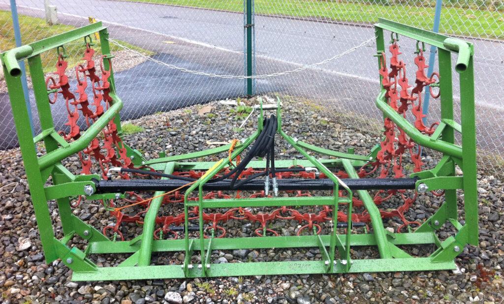 MTL Grass harrows 4m hyd fold