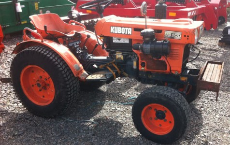 Kubota B5100 compact tractor for sale – SOLD