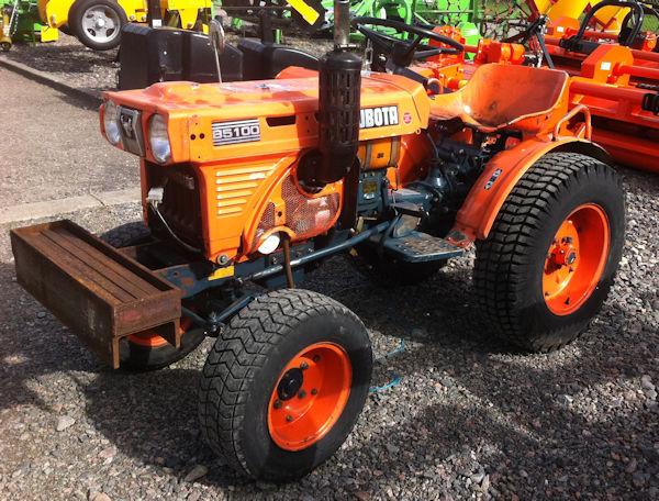 Kubota B5100 compact tractor for sale 2