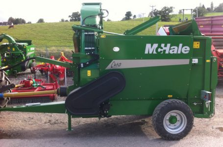 McHale C460 trailed bale feeder bedder with swivel chute for sale
