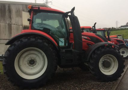 Valtra T194V Reverse Drive Smart Touch 210hp tractor for sale