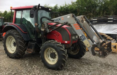Valtra N91 101hp tractor with loader for sale