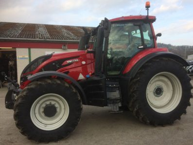 Valtra T194 210hp Reverse Drive Twin Trac tractor for sale – SOLD