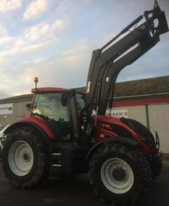 Valtra T154 180hp 6 cylinder tractor with loader for sale