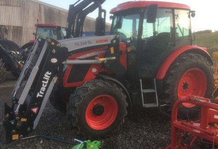 Zetor Proxima CL100 100hp 4wd tractor with loader for sale