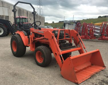 Kubota B2110 HST Compact tractor with loader for sale – SOLD