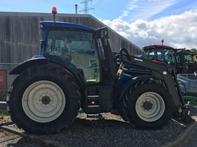 Valtra N134 145hp 4wd tractor with loader for sale – SOLD