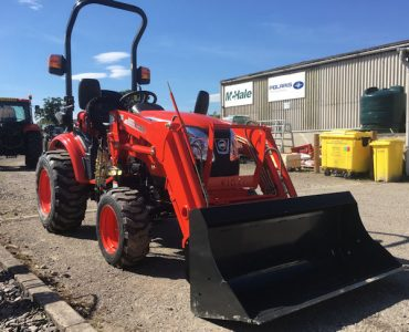 Kioti CK2810HST tractor with loader for sale