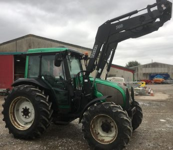 Valtra A85 88hp 4wd tractor with loader for sale – SOLD