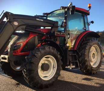 Valtra A114MH4 110hp tractor with loader for sale – SOLD