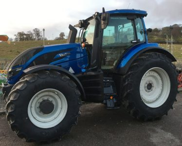 Valtra T194 Active 210hp 4wd 50km/h tractor for sale – SOLD